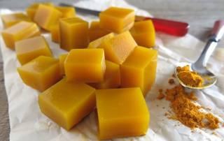 Cách làm kẹo dẻo từ bột nghệ và mật ong vừa ngon vừa phòng bệnh