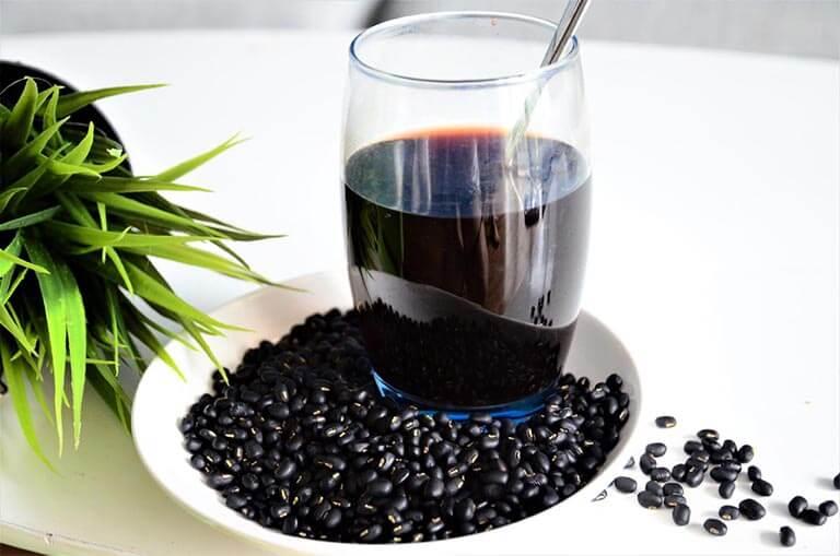 Uống nước đậu đen hàng ngày có tốt không